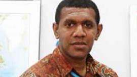 Ronald Roger Rohrohmana – Kantor Perserikatan Bangsa – Bangsa urusan Narkoba dan Kejahatan (UNODC) – National Programme Officer urusan Kejahatan Hutan  Alumni Prodi Hubungan Internasional (Angkatan 2005)