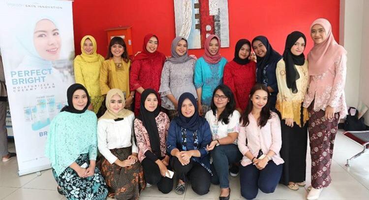 Keseruan Kosentrasi Public Relations Fakultas Ilmu Komunikasi Dalam Menyambut Hari Kartini