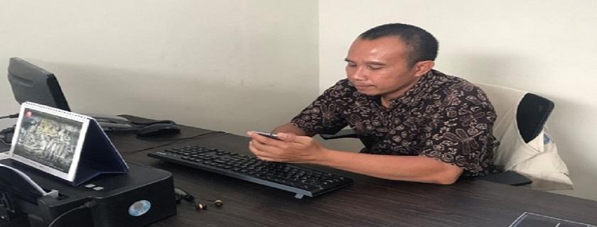 Kisah Mas Ikhsan, Penjaga Kebersihan di Budi Luhur