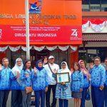 Penghargaan LLDIKTI Wilayah III Kepada Universitas Budi Luhur Dalam Memberdayakan Masyarakat Membuat Permadani Daur Ulang Terbesar di Dunia