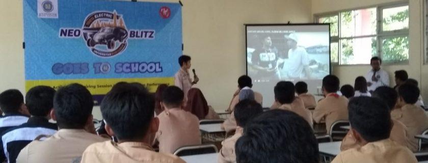 Pemaparan materi mengenai Neo Blits terhadap siswa-siswi SMKN 2 Tangerang