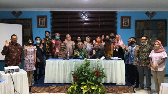 Pengalaman Berkesan Para Dosen FIKOM Bertemu Pendiri Yayasan Budi Luhur Cakti di Prambanan