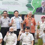 Gerakan Menanam Pohon Menyelamatkan Lingkungan di Universitas Budi Luhur